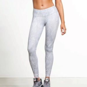 ALO Yoga Airbrush Leggings Python White XS